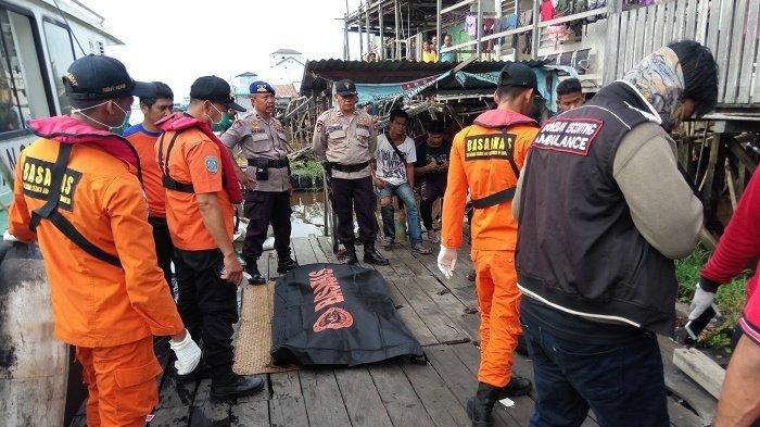 Dua Hari Hilang dan Ditemukan Mengapung di Sungai Mentaya, Wajah dari Jasad Sopir Travel Itu Lebam