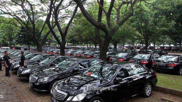 Ratusan Mobil Mewah Disiapkan Angkut Rombongan Raja Salman