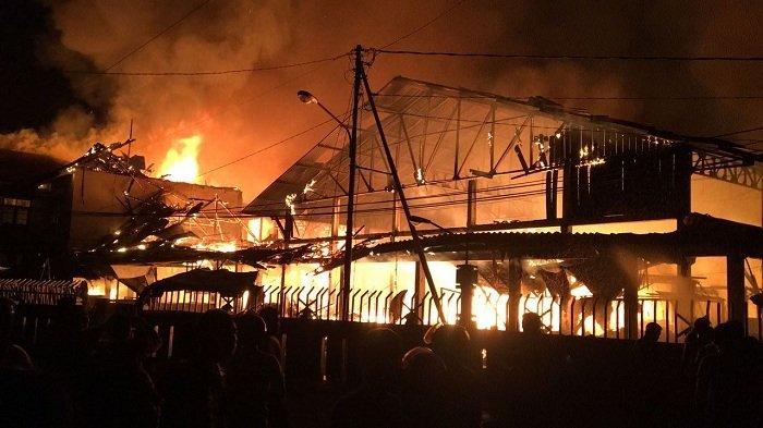 Berkobar 2 Jam, Api di Pasar Pendopo Muarateweh Baru Bisa Dipadamkan