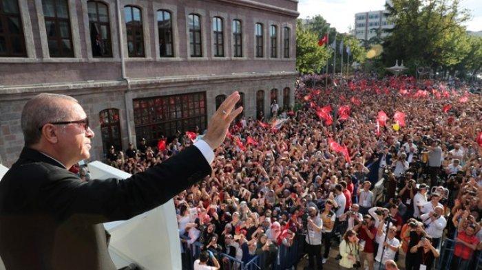 Lira Tepuruk, Recep Tayyip Erdogan: Kita Harus Secara Bertahap Kurangi Monopoli Dollar AS