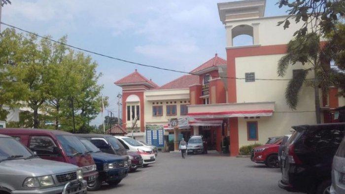 Kepergok Berbuat Mesum di Kamar Mandi, 2 Perawat Rumah Sakit Dipecat
