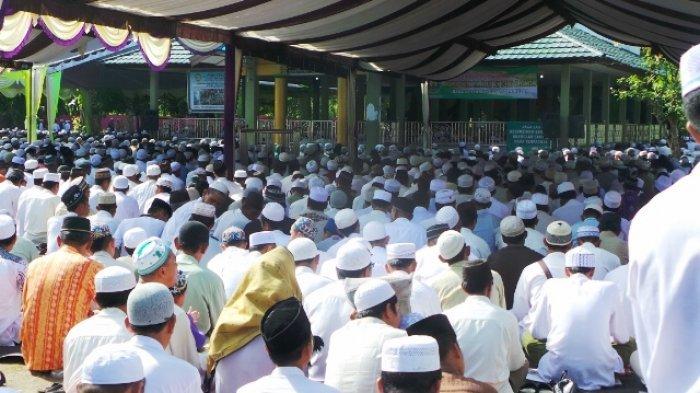 Ribuan Jemaah Padati Haul ke-17 Syekh Muhammad Nafis di Kelua