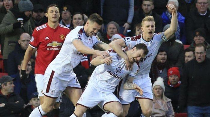 Klasemen Liga Inggris, Manchester United Makin Tertekan
