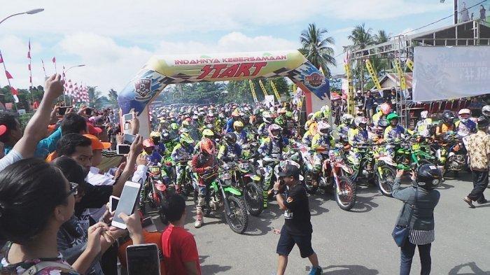 Ratusan Crosser pada Adventure Jabul 2017 Kumpul di Kapuas