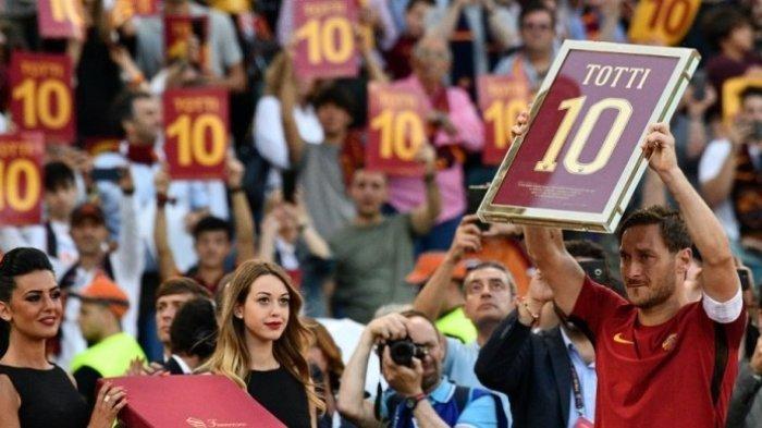 8 Legenda Sepak Bola ini Umumkan Pensiun pada 2017