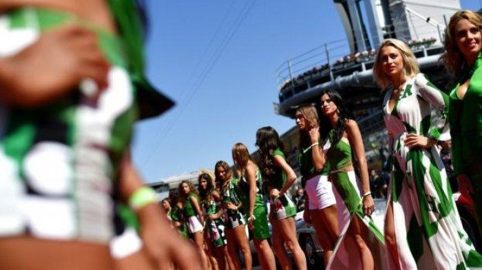 Para Perempuan Berpakaian Seksi di Sirkuit Formula 1 Dianggap Aneh