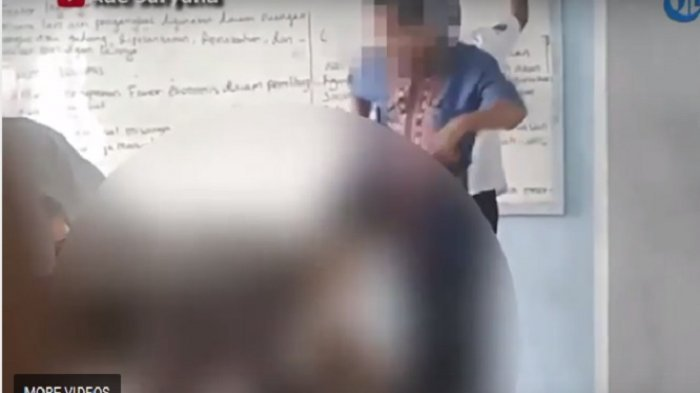 VIDEO: Viral, Oknum Guru Honorer Tendang Muridnya di Depan Kelas!