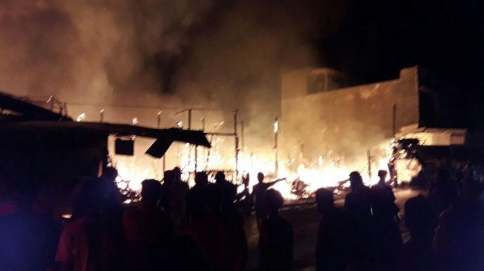 BREAKING NEWS: Pasar Pendopo Muarateweh Terbakar