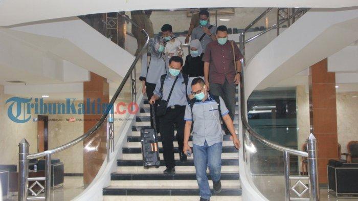 KPK ke Tenggarong, Geledah Rumah Mantan Ketua DPRD Kukar