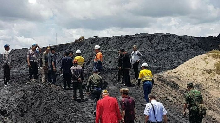 Pakai Dokumen Kedaluarsa, PT AKT Diduga Sudah Milirkan 52 Tongkang Batubara Ilegal