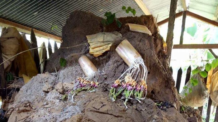 VIDEO: Makam Tua di Hulu Sungai Tengah Ini Terus Meninggi