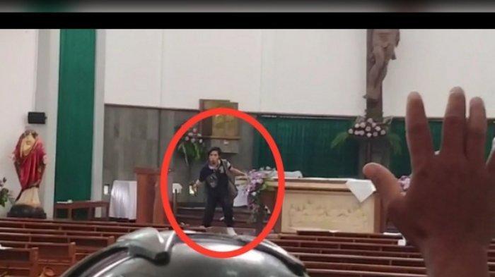 VIDEO: Aksi Pria Tak Dikenal Mengamuk dan Lukai Jemaah Gereja St Lidwig Sleman