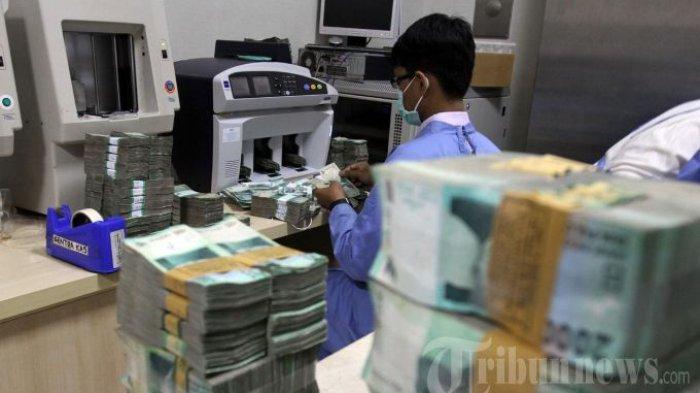 Rupiah Berpotensi Melemah, Diprediksi Tembus Rp 14.200 per Dolar AS