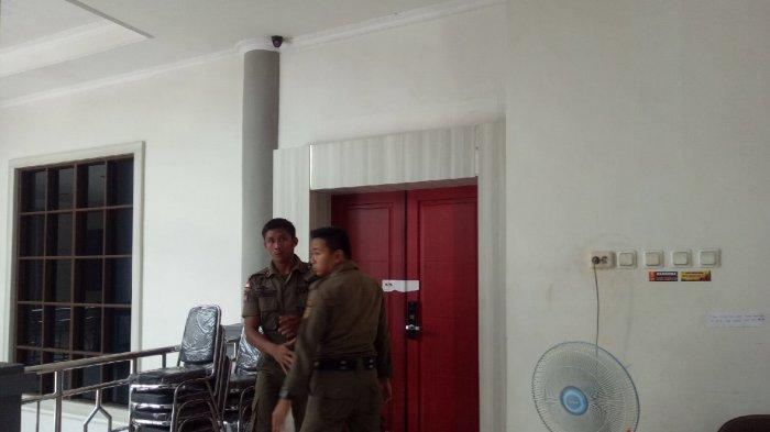 Bupati Abdul Latif Diboyong KPK ke Jakarta, Pembayaran Gaji ASN HST Tertunda