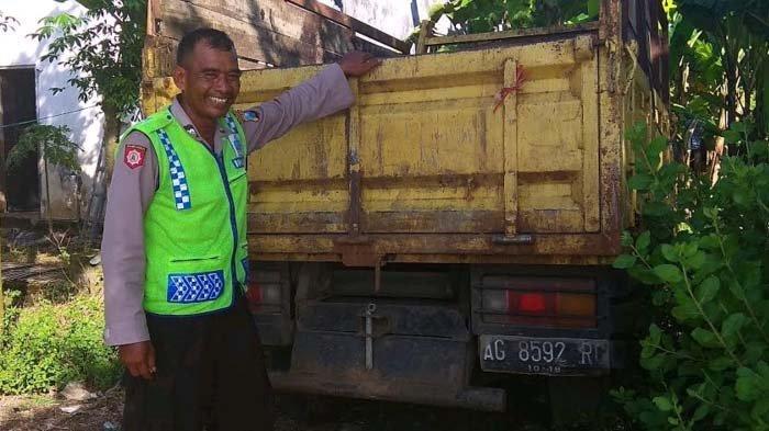 Aiptu Trisih Nyambi Jadi Tukang Sampah, Alasannya Sungguh Mulia
