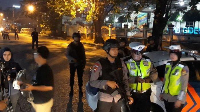 Diduga Mau Menusuk Anggota Brimob, 2 Perempuan Ditangkap Bawa Benda Tajam