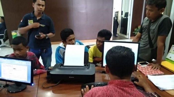 Tiga Suporter Sriwijaya FC Dirampok dan Dipukuli, Begini Modusnya
