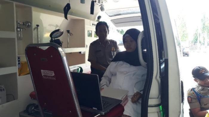 Pasca Jalani Operasi Sesar, Peserta Tes SKB CPNS 2018 Kerjakan Soal di Ambulans