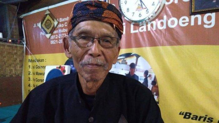 7 Bulan Kayuh Sepeda ke Tanah Suci, Ini Kisah Abah Landoeng Berhaji di Usia 75 Tahun
