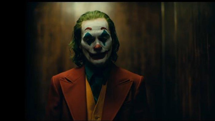 Mobil Joaquin Phoenix Tabrak Truk Damkar, Begini Kondisi Pemeran Film Joker