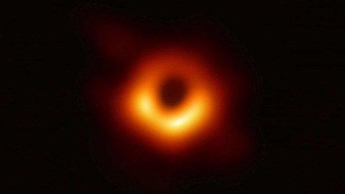 Penampakan Black Hole atau Lubang Hitam, Foto Pertama Berhasil Diabadikan, Sejarah Baru Tercipta