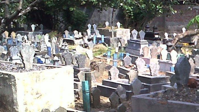 Terungkap Fakta di Balik Video Kuburan Keluarkan Api, Siksa Kubur?
