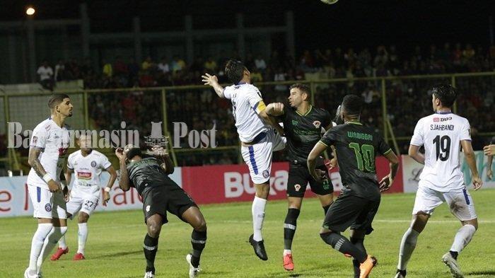 Kalahkan Kalteng Putra, Arema FC Menanti Hasil Madura United vs Persebaya di Final Piala Presiden