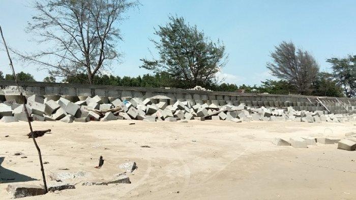 Abrasi Pantai Ujung Pandaran Ancam Makam Keramat, Pemecah Ombak Dibangun Pemanen