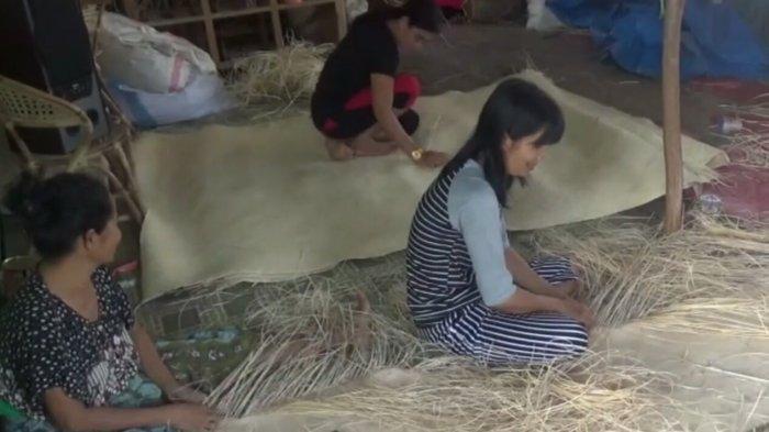 Berani Mencoba, Usaha Kerajinan Rotan di Desa Pulau Telo Baru Kapuas Kini Beromset Puluhan Juta