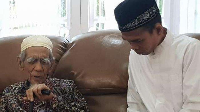 Jenazah KH Maimoen Zubair Disalatkan di Masjidil Haram, Mbah Moen Berpesan Ingin Dimakamkan di Ma'la