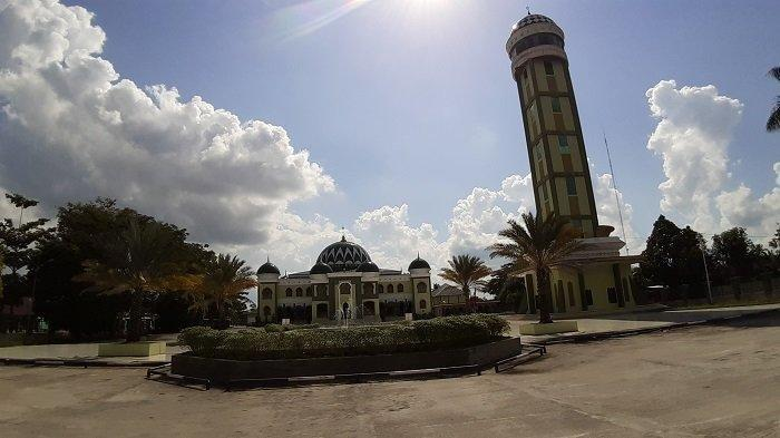 KaltengPedia : Masjid Agung Al Mukarram, Masjid Termegah di Kota Kualakapuas