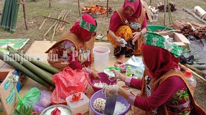 Mengenal Lamang Sebagai Makanan Khas Dayak Kalteng, Dibakar dalam Bambu Khusus Saat Malamang