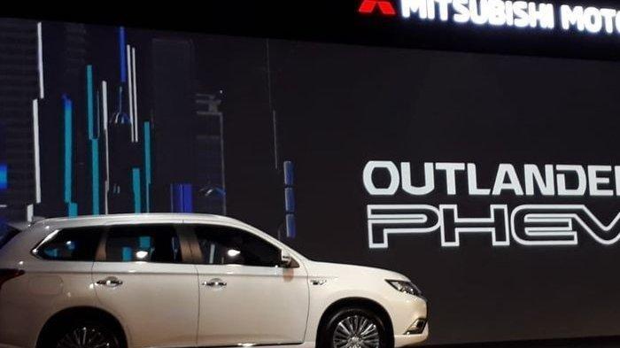 Mesinya Mampu Menghasilkan Listrik, Mitsubishi Outlander PHEV Asyik Buat Kemping