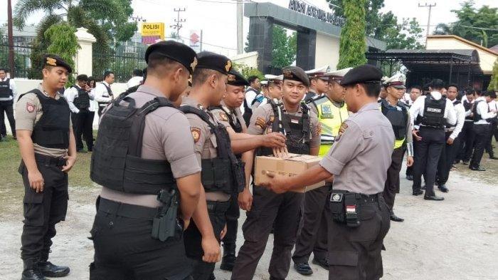 Peduli Ambon, Warga dan Polisi di Palangkaraya Galang Bantuan Dana