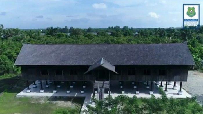 KaltengPedia: Betang Manggatang Utus di Sei Pasah Kapuas, Pernah Ambruk dan Kini Jadi Tempat Wisata