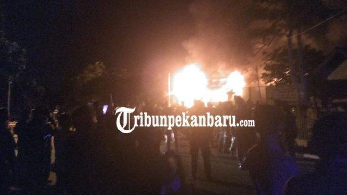 Kerusuhan di Rutan Kelas IIB Siak Riau, Kasat Narkoba Tertembak, Api Berkobar Hebat