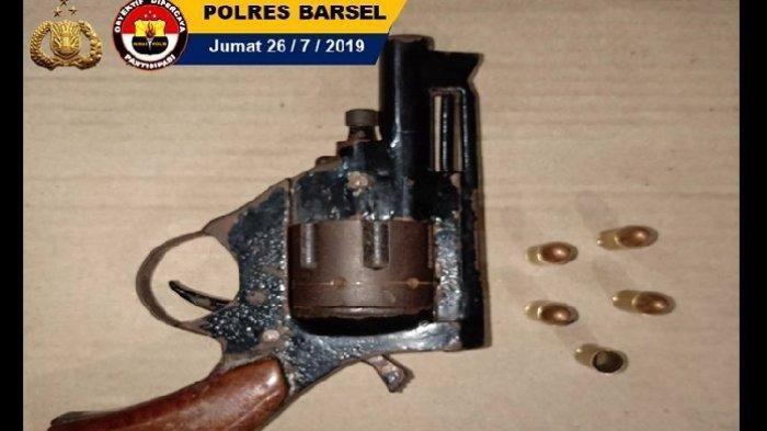Punya Senjata Api Rakitan untuk Mengancam Warga, Pria di Barsel Ini Dibuat Tak Berkutik