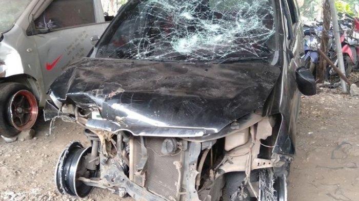 Kabur Setelah Mobilnya Senggol Kendaraan Lain, Oknum Polisi Diamuk Massa