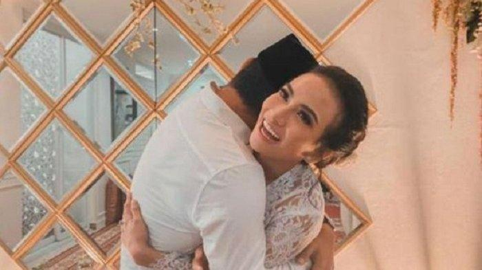 Simpang Siur Kabar Pernikahan Vanessa Angel, Siapa Wali Nikahnya?