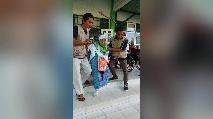 Jemaah Calon Haji Keloter 8 Asal Kapuas Sudah Mulai Tawaf, Salamah JCH Tertua Kalteng