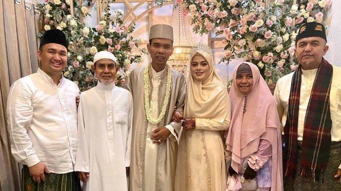 Foto pernikahan Ustaz Abdul Somad atau UAS dengan Fatimah Az Zahra di Jombang, Jatim, Rabu (28/4/2021)