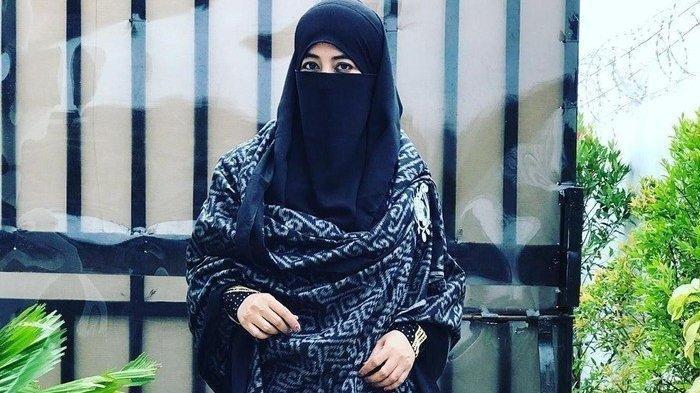 Sosok Istri Kedua Almarhum Ustad Jefri Al Buchori Akan Diceritakan Umi Pipik Pada Adiba dan Abidzar