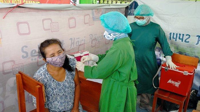 Targetkan Zona Hijau, Polda Kalteng Gencarkan Vaksinasi Massal Covid-19 di Barito Timur