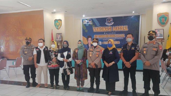 NEWS VIDEO, Polresta Palangkaraya Turunkan 20 Personel, Amankan Vaksinasi Massal di Palampang Tarung