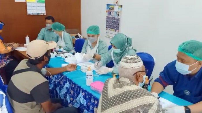 Vaksinasi Lansia di Kapuas, Jumlah Penerima Vaksin Ditambah karena Warga Sangat Antusias