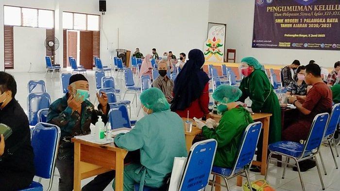 Vaksinasi Massal di Palangkaraya, Abai Protokol Kesehatan Dikhawatirkan Muncul Klaster Baru Covid-19