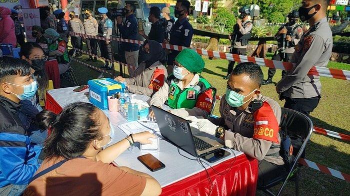 Vaksinasi Covid-19 Makin Masif Dilakukan di Tempat Keramaian Hingga Pengunjung Kafe di Palangkaraya