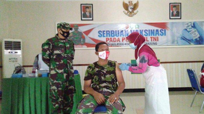 Wabah Corona Kalsel;, Ratusan Anggota TNI di Tabalong Mulai Jalani Vaksinasi Covid-19