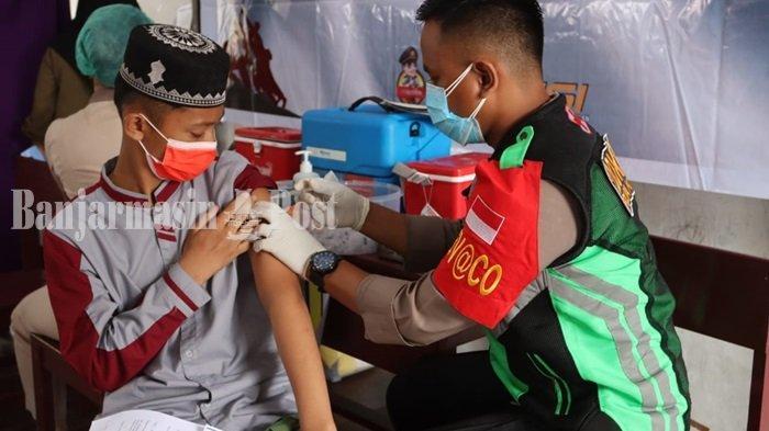 Polda Kalteng Gelar Vaksinasi Covid-19 Bagi Ratusan Santri Ponpes Hidayatul Insan Palangkaraya