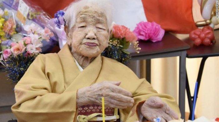 Sebagian Warga Jepang Berusia 100 Tahun, Ini Rahasianya